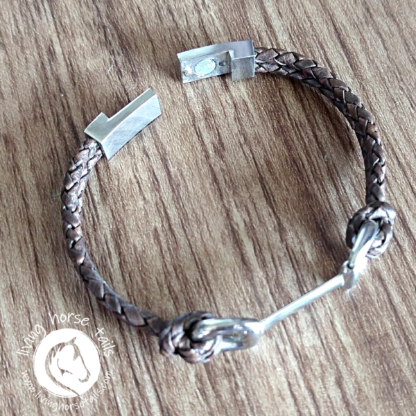 Snaffle Bit Leather and Stainless Steel Horse Bracelet magnetic clasp detail