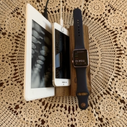 iPad/Tablets/iPhone/Smartphone with Apple Watch Station