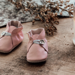 Pink Leather Baby Shoes with Button – 10 cm (3 to 6 mths)