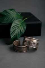 The Tibetan Silver Bangle – Wide