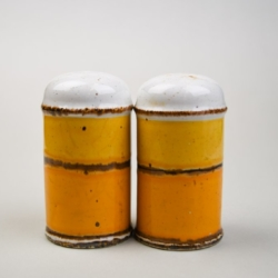 A PAIR OF 1970S MIDWINTER ENGLISH SALT AND PEPPER SHAKERS
