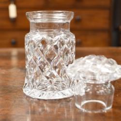 A HAND-CUT CRYSTAL JAM OR CONDIMENT JAR