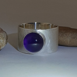 Sterling Silver Ring with 4.5 ct Amethyst (Purple)