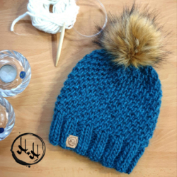 """Skagen"" – Chunky Beanie with Faux Fur Pom Pom in Teal – Alpaca/Wool/Acrylic blend"