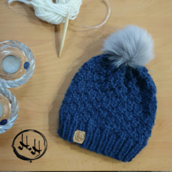 """Esbjerg"" – Chunky Beanie with Silver Faux Fur Pom Pom in Denim Blue – Alpaca/Wool/Acrylic blend"