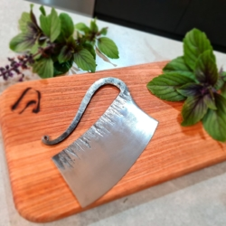 MADE TO ORDER (4 wk turnaround)-Cross Peen Textured Hand Forged Herb Chopper (Ulu) *FREE POSTAGE*