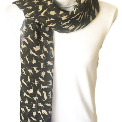 White cats scarf – FREE POSTAGE