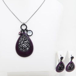 Purple Necklace/pendant with matching earrings set – LAST ONE – FREE POSTAGE