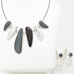 Grey Necklace/pendant with matching earrings set – LAST ONE – FREE POSTAGE