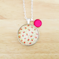 Handmade Country Roses Necklace with charm – FREE POSTAGE