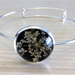 Pretty Silver Bangle with Dried Flower Gems – 5 Styles