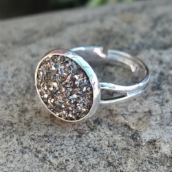 Sparkling Resin Rings: Adjustable