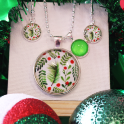 NEW RELEASE – Large Holly – Christmas Theme Necklace and Earrings – FREE POSTAGE – 13 other designs available.