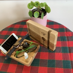 iPad/Tablets, iPhone/Smartphone & Apple Watch Station complete with 'Stuff' Tray