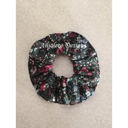 Tiny Flowers – Fabric Hair Scrunchie