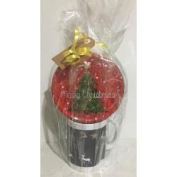 Christmas Hamper – Personalised Mug with Biscuits