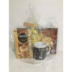 Christmas Hamper – Personalised Mug, Coffee, Biscuits