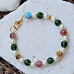 Classic Green & White Bracelet