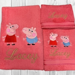 PERSONALISED EMBROIDERED BATH TOWEL SET – ' PEPPA PIG & GEORGE