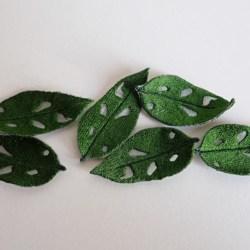 Gum leaves appliques, medium