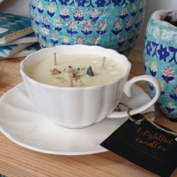 The Cashmere tea cup candle
