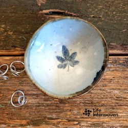 White Pottery Handmade Small Trinket Dish (with Handmade Mulberry Paper Packaging)