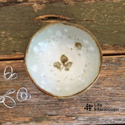 White Brown Pottery Handmade Ceramics Jewellery Dish (with Handmade Mulberry Paper Packaging)