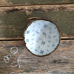 White Trinket Dish (with Handmade Mulberry Paper Packaging) – Ceramic Handmade