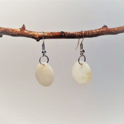 Round Mother of Pearl – Natural Colour (medium) Dangle Earrings
