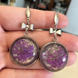 Pretty Purple & White Dried Flower with Bow Earrings – Stainless Steel