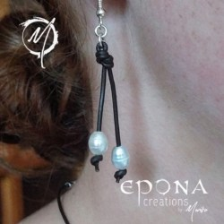 """""""Pearl Drops"""" Earrings with stainless steel and leather"""