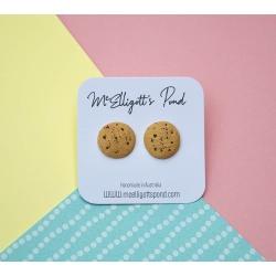 Medium chocolate chip cookies studs
