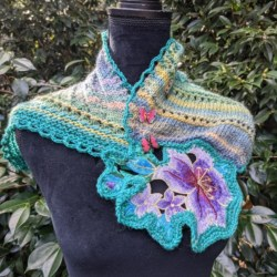 Small pure wool shawl with flower motif and butterfly buttons