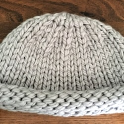 Super Warm Hand Knitted Gray Roll Brim Hat – 100% Acrylic – Large