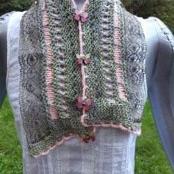 Soft lacy scarf in pink and green wool and silk