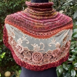 Handknitted cowl/ collar/neckwarmer in wool and silk featuring an antique lace insert