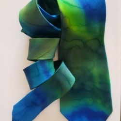 Handpainted silk tie – Dancing Aurora