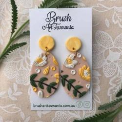 Daisy Oval Drop Earrings