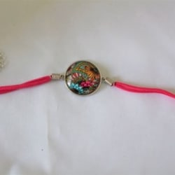 Cabochon jewellery bracelet with leather band. Free Shipping