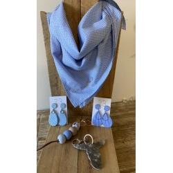 Check/plain neck scarves