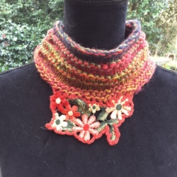 Handknitted small cowl/collar with floral embroidery feature